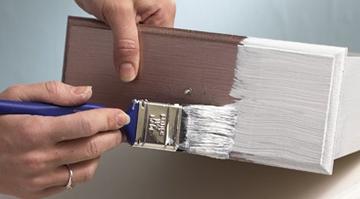 Bình luận câu tục ngữ Tốt gỗ hơn tốt nước sơn, qua đó nêu rõ ý nghĩa của nó trong việc nhìn nhận, đánh giá nội dung và hình thức